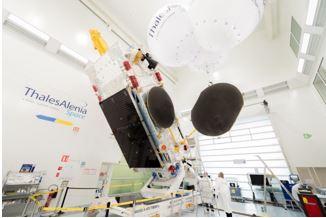 L'Etat pousse au rapprochement de Thales et d'Airbus dans le spatial