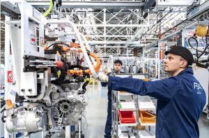 PSA pourra produire 120 000 groupes motopropulseurs électrifiés en 2020