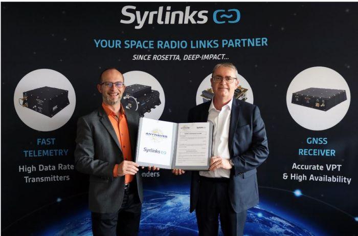 Nanosatellites : Syrlinks signe un accord avec le Toulousain Anywaves