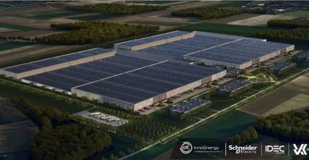 Epaulé par Schneider Electric, Verkor compte investir 1,6 milliard d'euros dans la production de batteries en France
