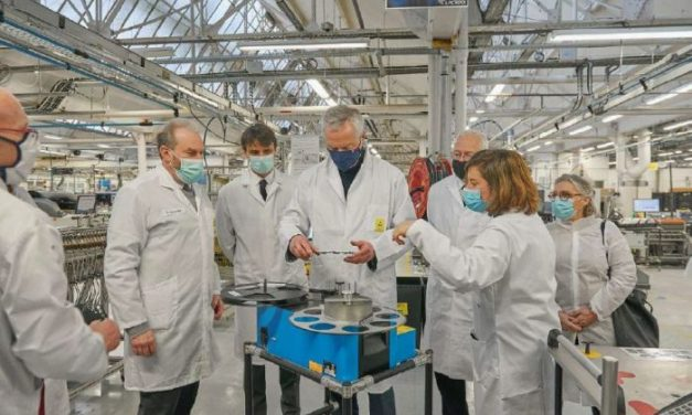 France Relance – Bruno Le Maire visite l'usine électronique de Lacroix Group