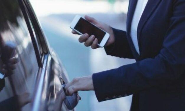 Automobile: le smartphone se transforme en clé numérique main libre