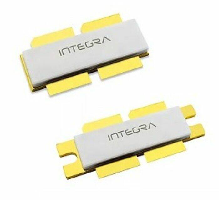 Un transistor HEMT 100 V délivre 3600 W pour l'avionique et la défense